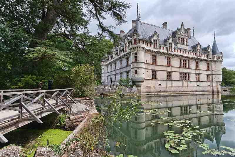 chateau abandonn a vendre khenghua. Black Bedroom Furniture Sets. Home Design Ideas